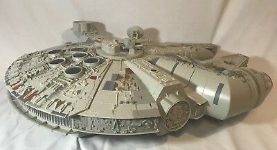 "**HUGE STAR WARS MILLENNIUM FALCON 2008 LEGACY COLLECTION 32""x 26"" Hasbro"
