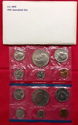 1976 UNCIRCULATED Genuine U.S. MINT SETS ISSUED BY U.S. MINT