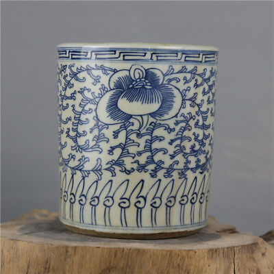 Chinese Old Blue And White Twined Branches Pattern Porcelain Brush Pot