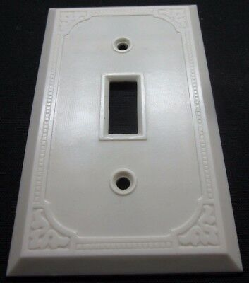 Vintage Art Deco Square Dots Fine Ribbed Lines Ivory Bakelite Switch Plate Cover