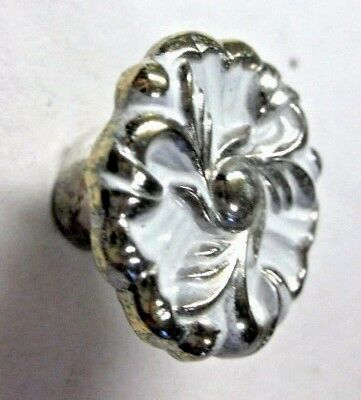 1 vintage ivory gold tone T-592BW 1960 French provincial flower floral knob pull