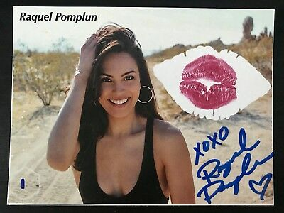 "Raquel Pomplun 4 1/2"" X 6"" Kiss Card Hoops"