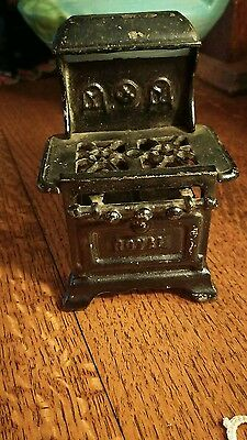 Vintage Cast Iron Dollhouse ROYAL Stove