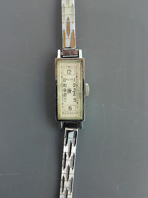 Elegant Vintage woman's watch, AVIA Swiss Made working great!