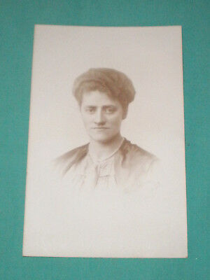 antique/vintage photograph of a women/1890/1900s/Germany