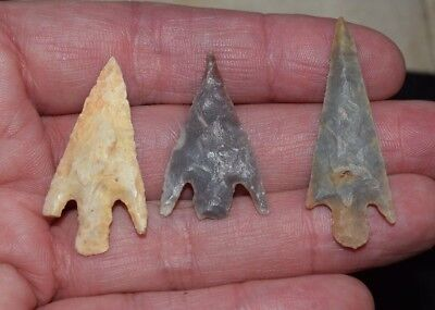 3 nice Sahara Neolithic  stemmed points, nicely barbed and tanged!