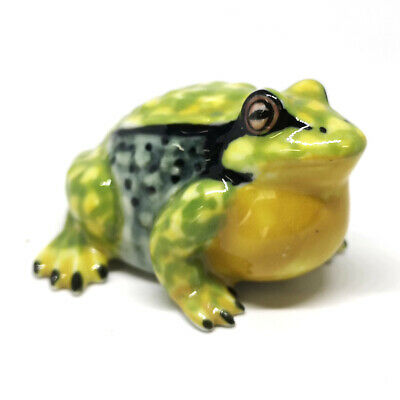 Hand Painted Gift Miniature Collectible Ceramic Green Frog FIGURINEStatue
