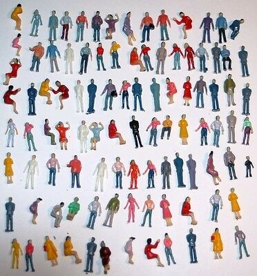 Lot 100 personnages figurines HO