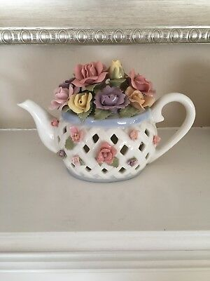 Functioning Anna Rosa Collection Musical floral Tea Pot.