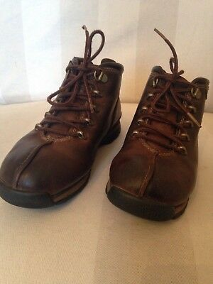 Vintage looking Timberland Brown Hiking Boots Size 2 Leather Uppers code 43738M