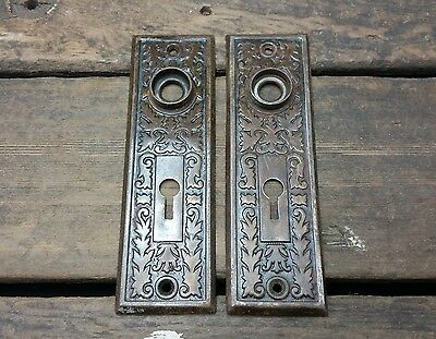 2 VTG Old Small SHABBY Metal Fancy EASTLAKE Keyhole Door Knob Backplate Cover _