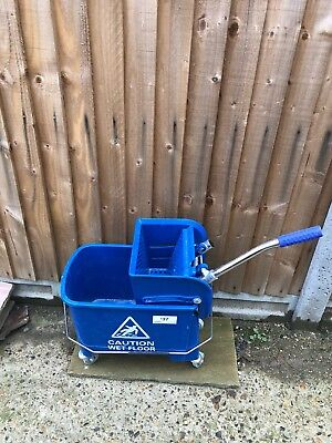 Bucket Trolley With Wringer