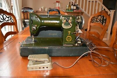 Bernina 117-K Sewing Machine With Foot Pedal & Case
