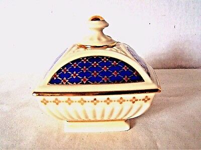 Lenox China Treasures Collection ivory blue gold trimmed trinket jewelry box