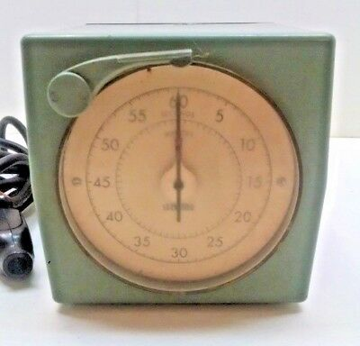 Vintage Standard Electric Time Company Darkroom Timer Stopwatch Clock GREEN