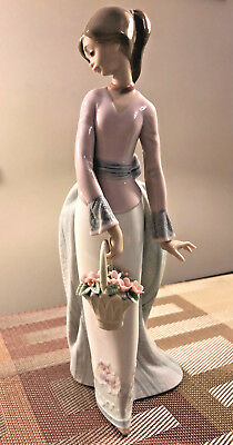 """Lladro Society Figurine """"Basket of Love"""" #7622 Limited Edition with Original Box"""