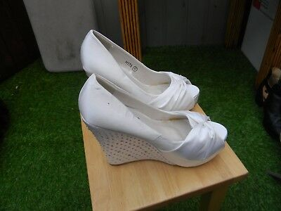core ivory wedding wedge size 4/37