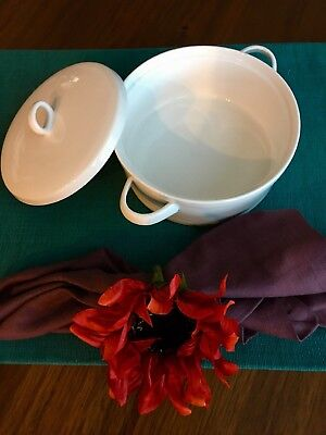 Set of 4 White Handled Soup Bowls with Lids