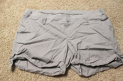 Old Navy Women Shorts Maternity Cuffs Gray Size 18