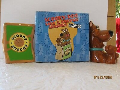 Scooby -Doo Salt & Pepper Set 1997