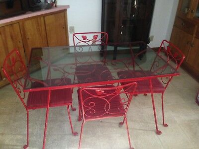Vintage Cast Iron Patio Table And Chairs REDUCED FROM $350 ! Pick up only