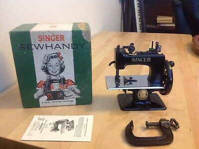 Mib Rare Antique Vintage Singer 20 Sewhandy Toy Child Small Sewing Machine Nice