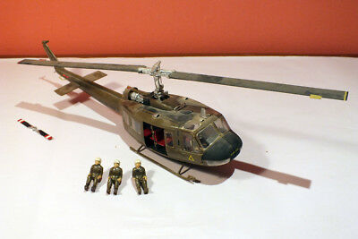 VINTAGE Revell ? MPC ? Huey UH-1D USMC Helicopter Model 1:24 BUILT