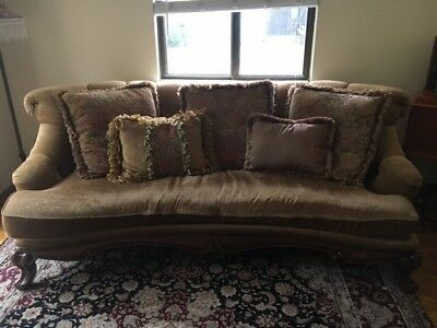 Super Comfie Sofa in excellent condition. Neutral color fits at least 3 Adults.