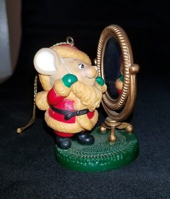 1982 Avon Melvin P. Merrymouse Christmas Mouse Mirror Keepsake Ornament No Box