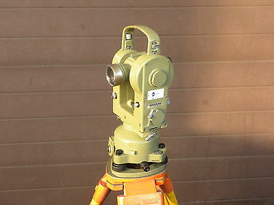 Theodolite T2  Wild Heerbrugg /Leica T 2 Optional Distomat  D14