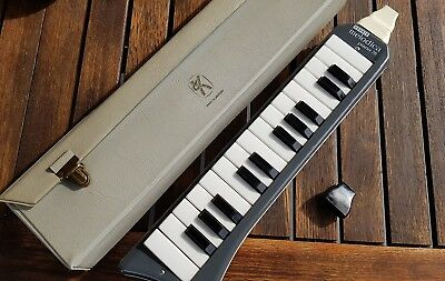 Hoehner Melodica Piano26