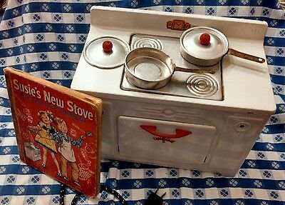 """WORKING """"LITTLE CHEF"""" Toy Electric Stove-Original Box w/Cookbook, 2 Pans & Lids"""