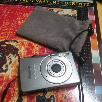 Canon PowerShot Digital Elph SD750 7.1MP Silver/Black Camera 3x Optical Zoom