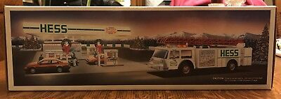 1989 White Hess Toy Fire Truck Dual Sound Sirens, Lights, And Bank New in Box