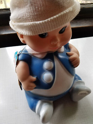 VINTAGE 1967 UNEEDA DOLL CO plum pee with original hat and tag squeaker working