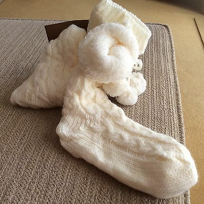 BNWT Pair of Love to Lounge Fleece Lined cream cable Slipper Boot