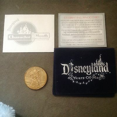 Disney PINOCCHIO Character of the Month Collectible COIN Disneyland 45th LE