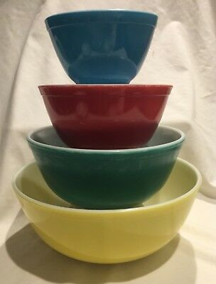 Vtg LOT of 4 Mid-century Pyrex SET Primary Multi - Color Nesting Mixing Bowls