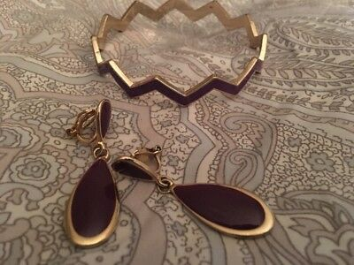 Purple enamel and gold tone zigzag bracelet with matching earrings