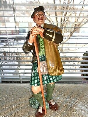 Royal Doulton 1967 The Leird Scottsman In Kilt Figurine Hn 2361