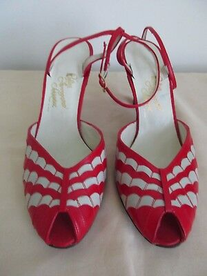 Vintage Rosina Ferragamo Schiavone Red Leather Ankle Strap Open Toe Heels 7.5