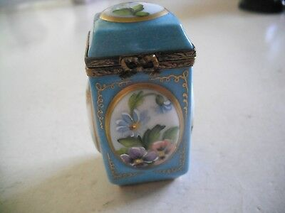 Peint Main Limoges Four Sided Box with Mixed Floral Designs on Each Side