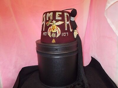 Vintage Shriner/masonic  Jewelled Fez With Carry Case