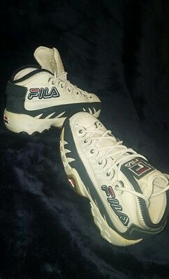 hot sale online 16104 8f0cd Vintage Fila Sneakers 6.5 Unisex Old School Sporty Leather, Very Good  Condition