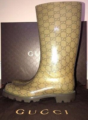 20e4ceeecb2 Authentic GUCCI Shiny Cocoa Brown Beige Rubber EDIMBURG GG Rainboots Flat  Boots