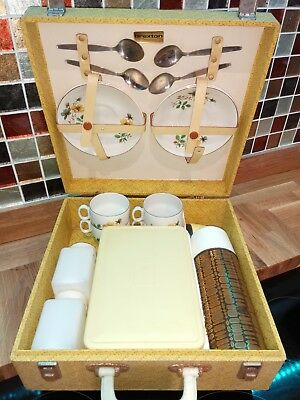 Vintage Brexton Picnic Hamper from the 50's or 60's