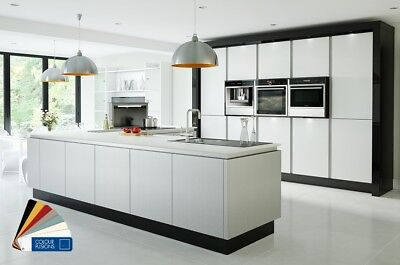 Quality ZELUSO Kitchen With High Gloss Handleless Doors