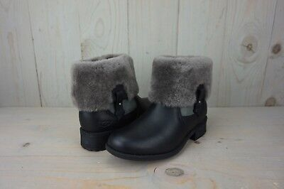 5955e5d2fd3d UGG AUSTRALIA CHYLER 10 BLACK Womens Boots Water-Resistant Leather ...