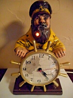 Vintage Mastercrafter Clock The Captain Model 722 - Pipe Flickers Excellent