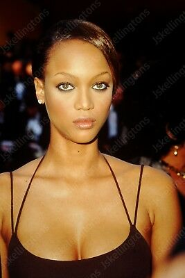 TYRA BANKS vintage celebrity 35mm slide Ht12